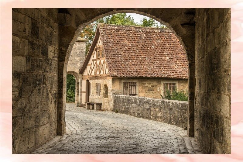 Arredamento nel Medioevo